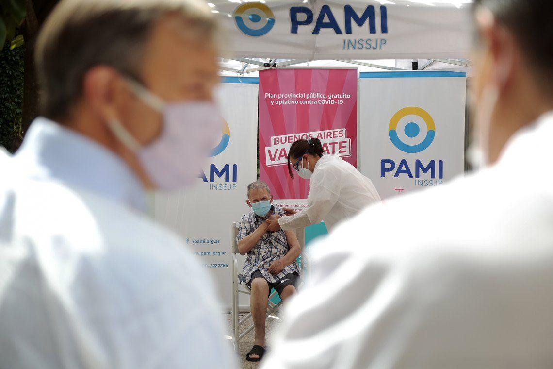 Comenzó la vacunación en geriátricos de Almirante Brown