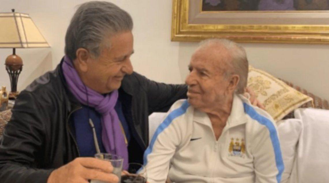Eduardo Duhalde visitaba seguido a Menem en su vivienda.