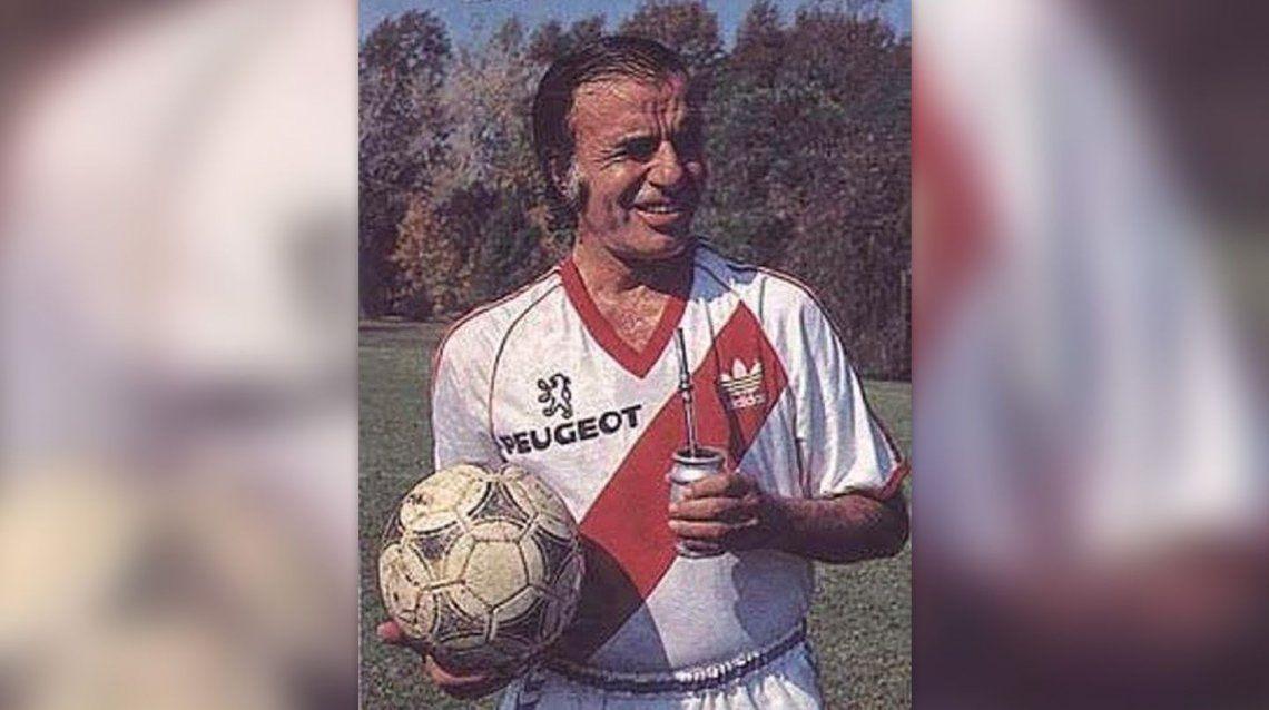 Menem fue hincha fanático y socio de River.