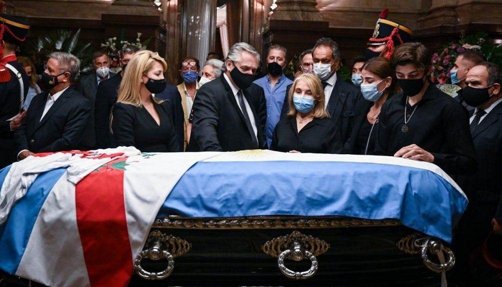 Zulemita Menem junto al Presidente Alberto Fernández y la Primera Dama