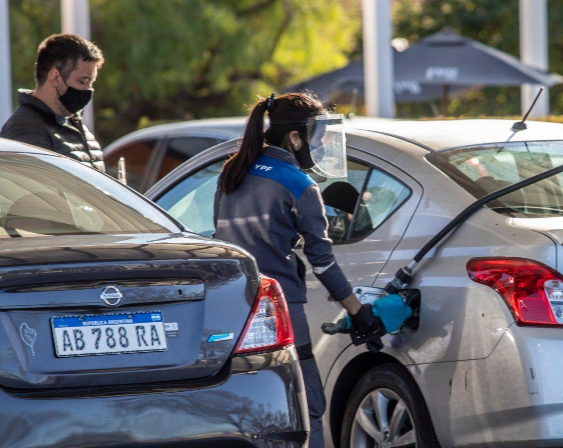 Combustibles: aumentos del 1,2% en la nafta y el gasoil
