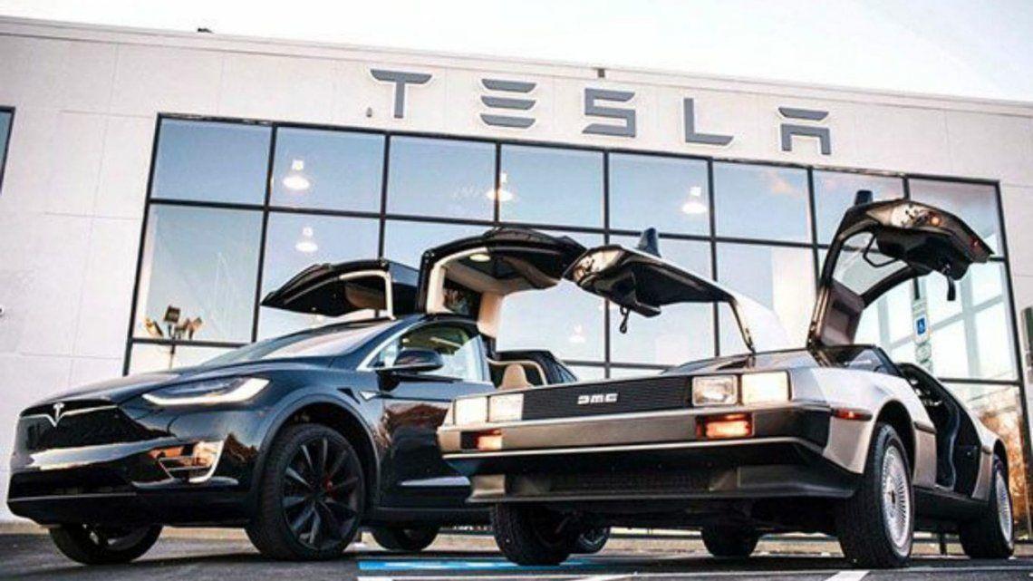 Elon Musk quiere que un Tesla flote en el aire como el DeLorean