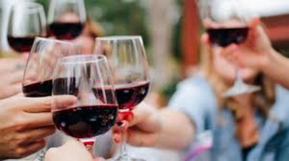 La Rioja prohibió el delivery de bebidas alcohólicas los fines de semana por seis meses.