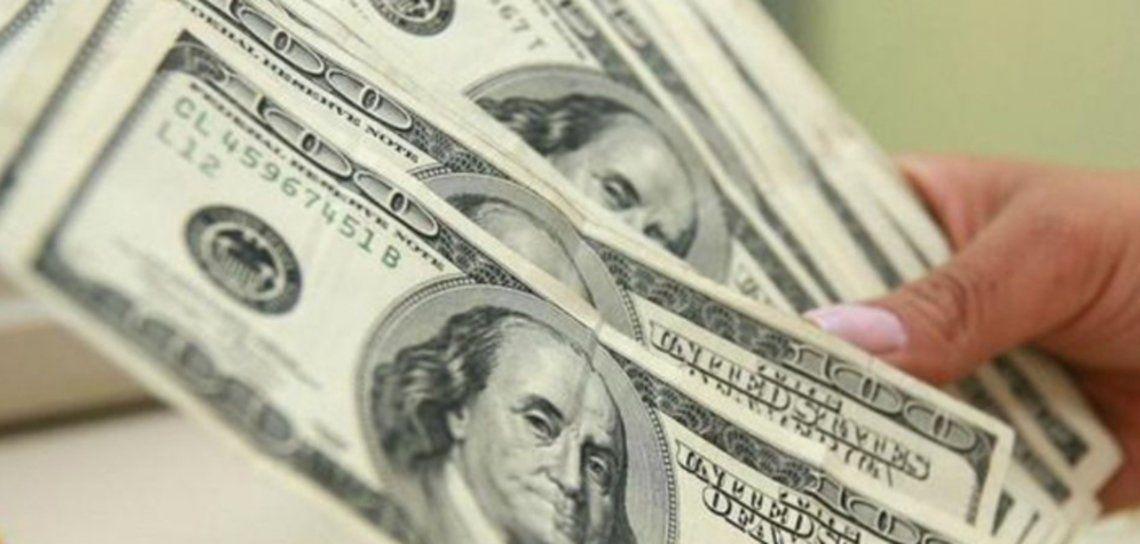 El dólar blue bajó un peso.