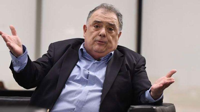 Valdés dijo que fue Ginés González García quien le pidió que se vacunara en el Ministerio.