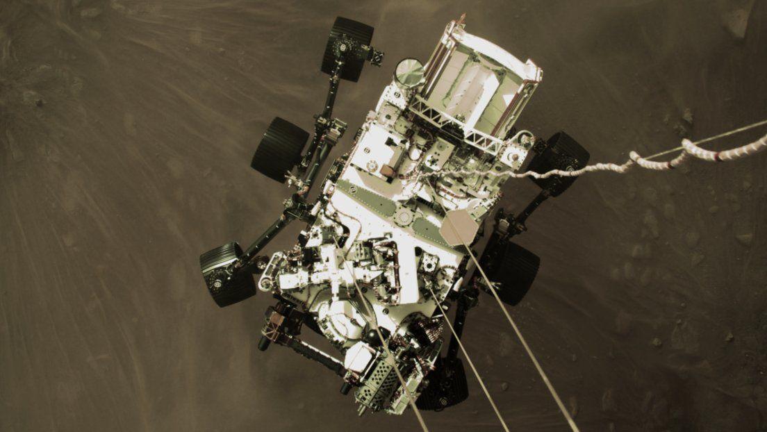 Imagen del persevrance instantes antes de aterrizar en Marte. Foto: NASA