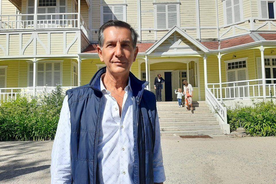 Mario Magrini es el autor de la escultrua de una mujer que apareció el fin de semana pasado en Mar del Plata.
