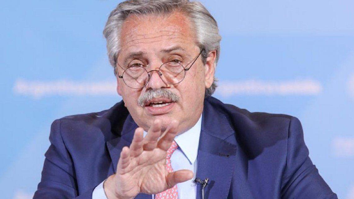 Alberto Fernández encomendó a Vizzotti que aplique un control estricto a la vacunación contra el coronavirus