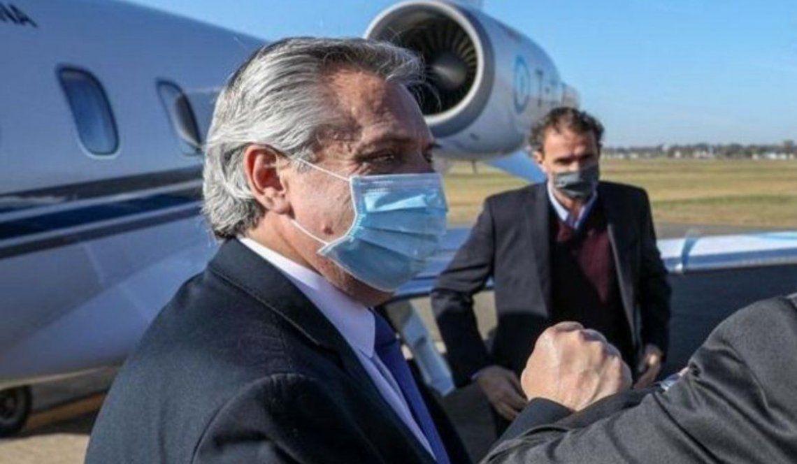 Fernández viajó Perú para la asunción de Pedro Castillo