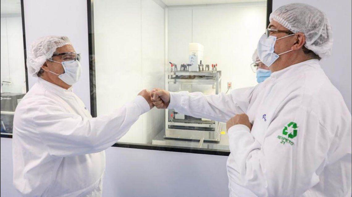 El Presidente visitó el laboratorio que trabaja con Argentina en la vacuna