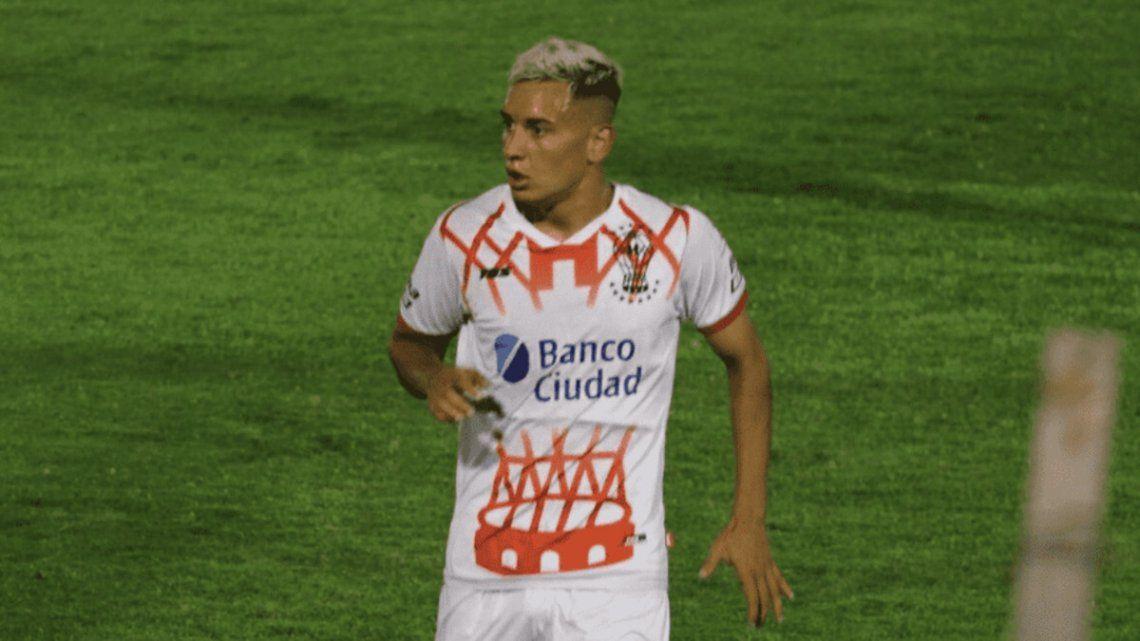 Santiago Hezze sería titular en Huracán