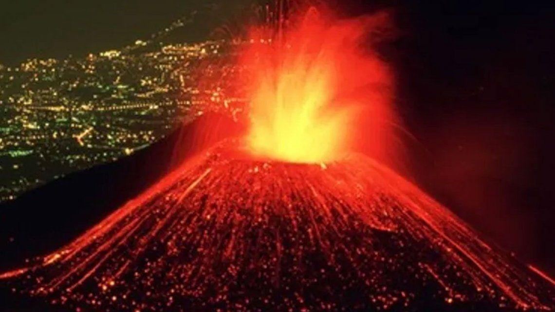 El Volcán Etna tiene la sexta erupción en una semana