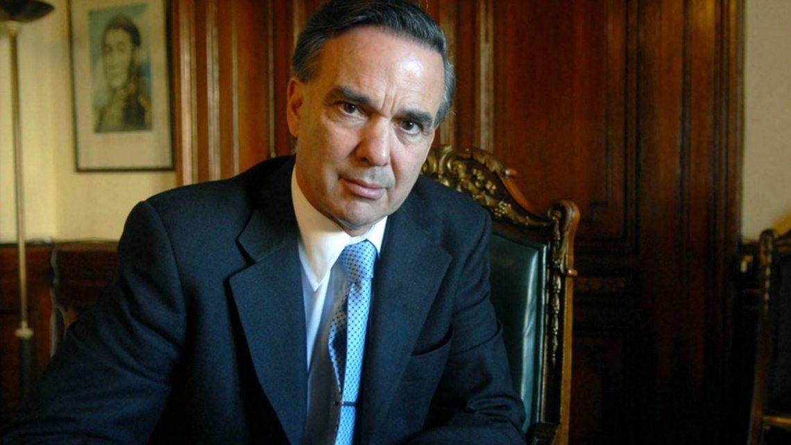 Pichetto busca sumar peronistas desencantados con el gobierno.
