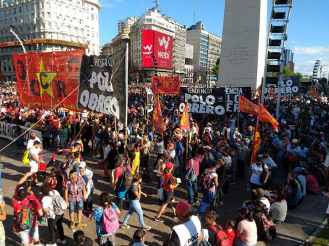 Organizaciones sociales protestaron en el centro de la ciudad de Buenos Aires