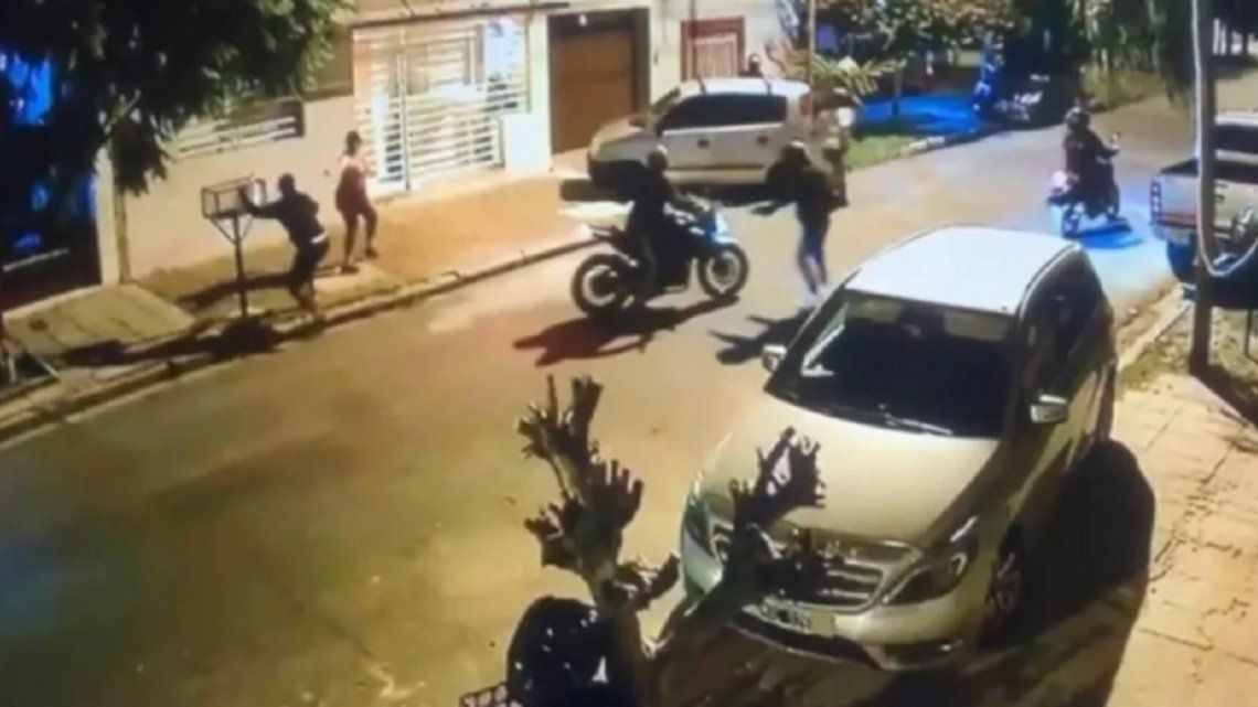 Matanza: motochorros intenta robar a una mujer.
