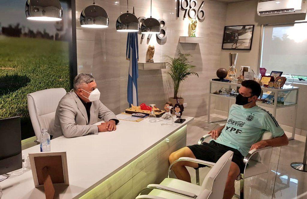 Chiqui Tapia se reunió con Lionel Scaloni para hablar de las Eliminatorias Sudamericanas