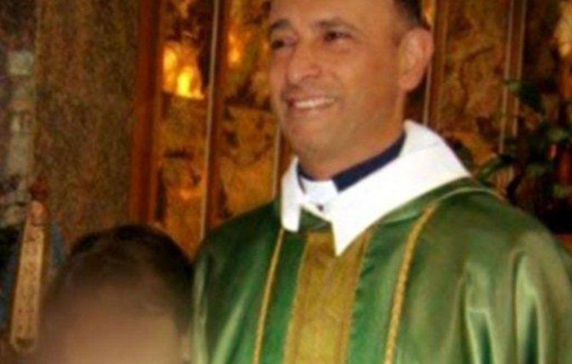 Sacerdote acusado de abuso en Caseros.
