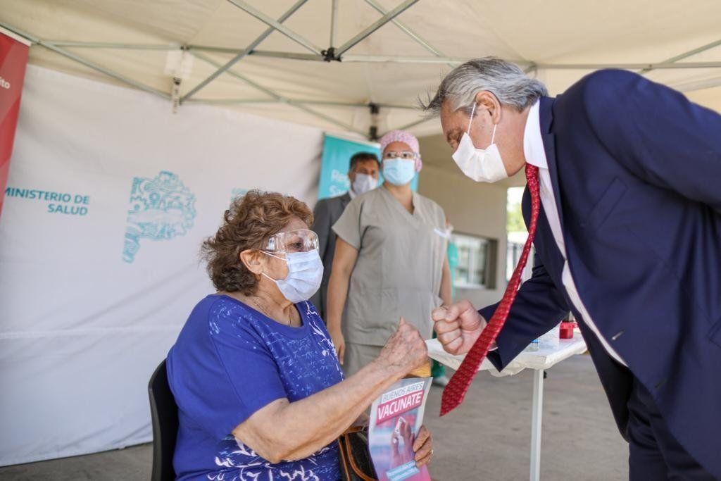 Fernández celebró vacunación del primer millón de personas