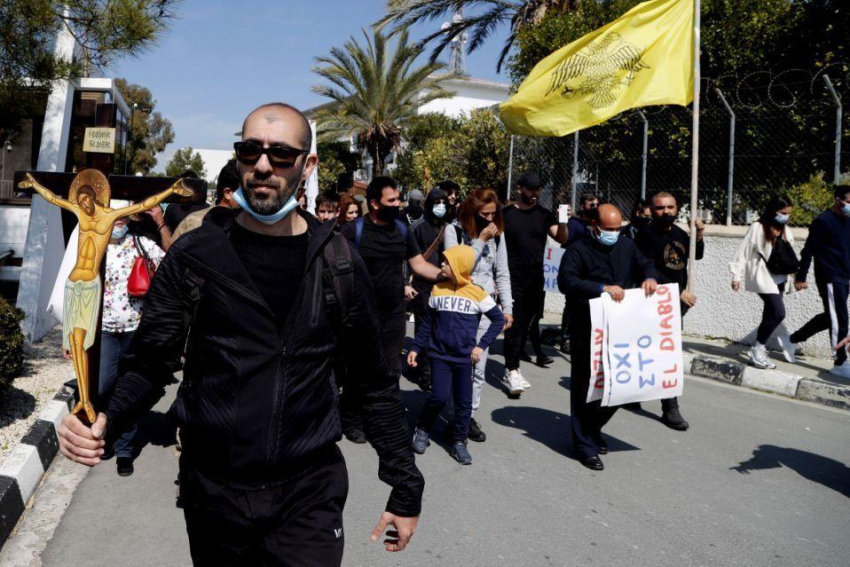 Chipre: canción titulada El diablo genera protesta de católicos ortodoxos