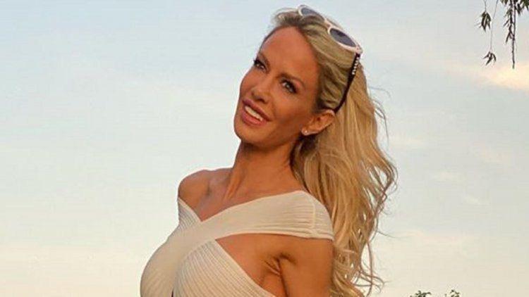 Luciana Salazar se recuperó del Covid-19 y lo festejó con un topless.