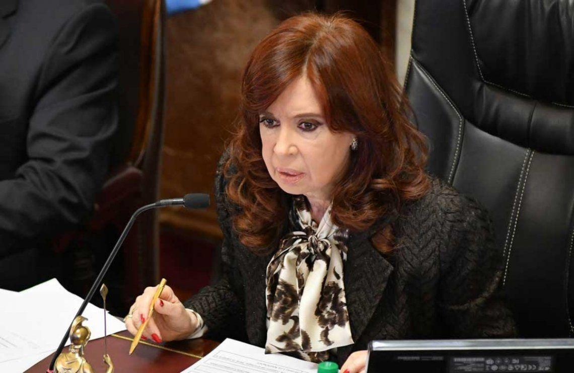 Cristina Kirchner renunció a sus haberes de vicepresidenta.