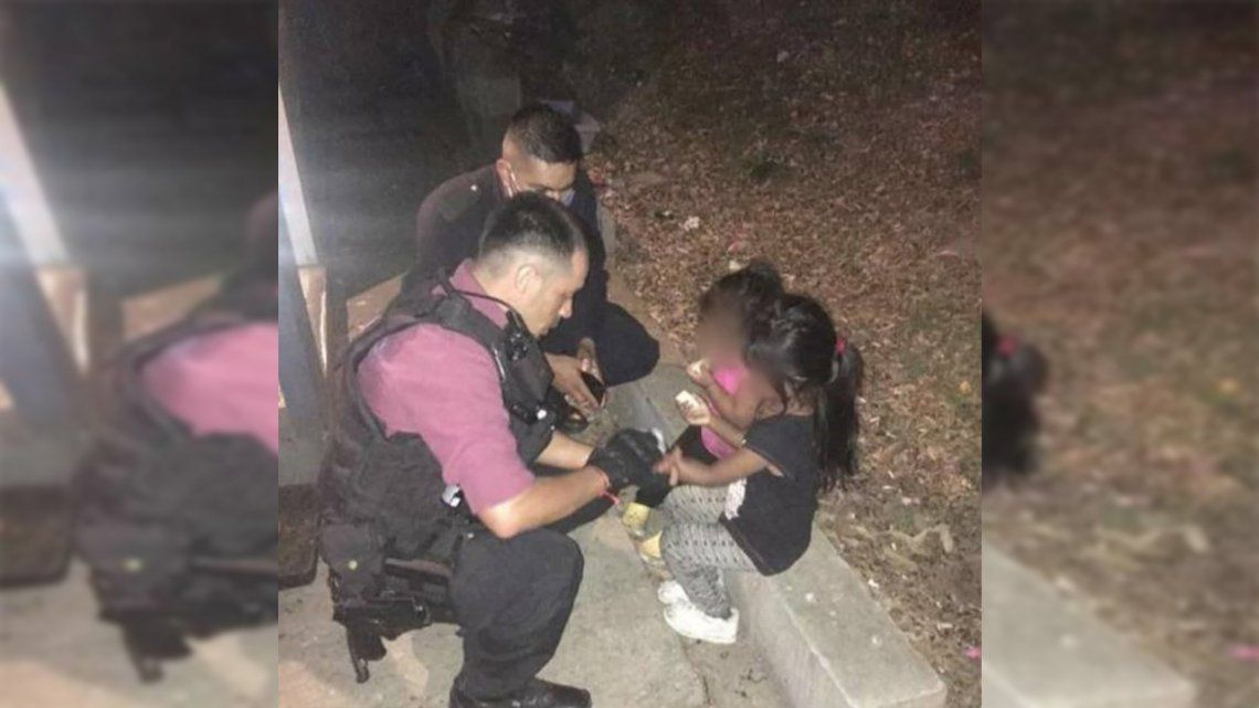 Las menores fueron advertidas por la policía cuando bajaban solas el terraplén de la avenida General Paz.
