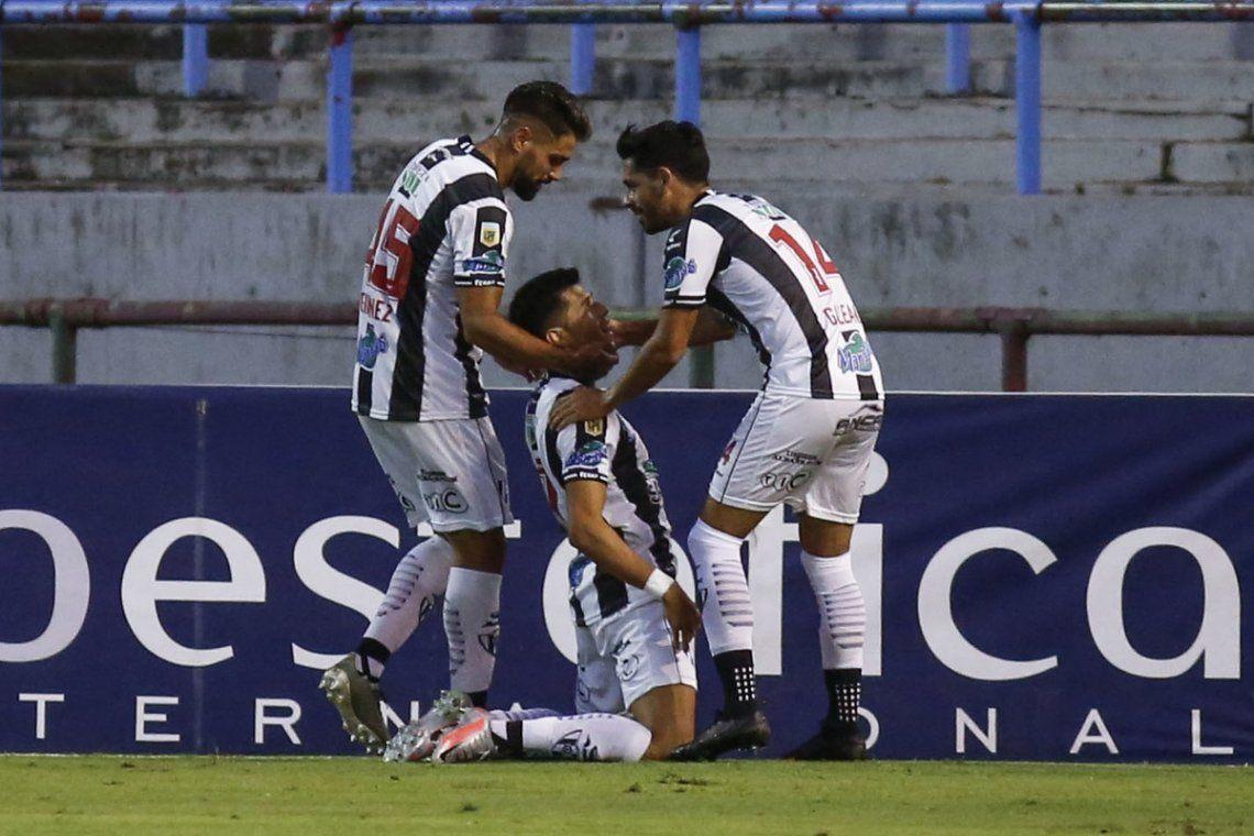 Central Córdoba sigue sumando en la Copa.