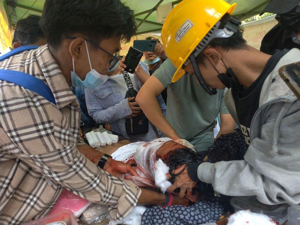 Birmania: La dictadura reprime y mata a manifestantes