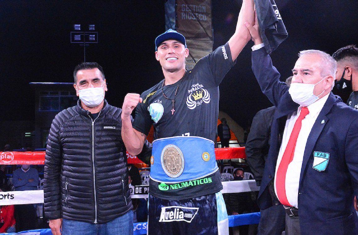 Boxeo: Yamil peral es el nuevo campeón de la categoría crucero