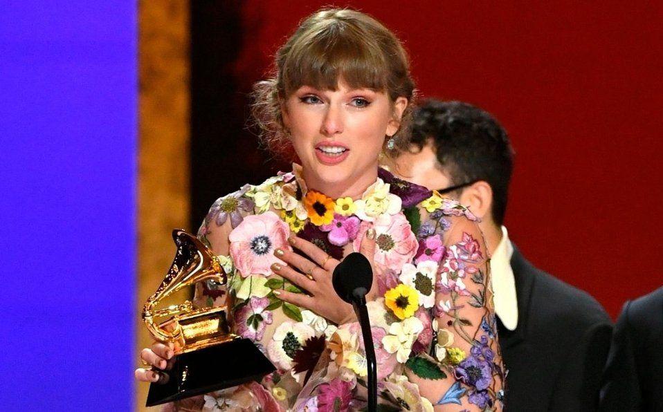 Taylor Swift ganadora del álbum del año por Folklore
