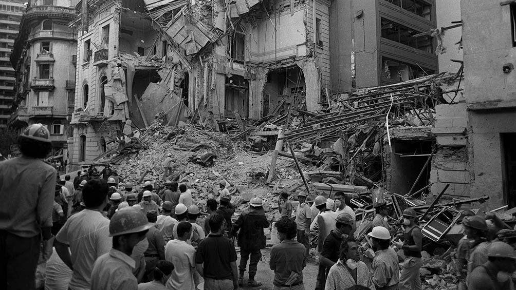 La explosión destruyó completamente la sede de la embajada y del consulado