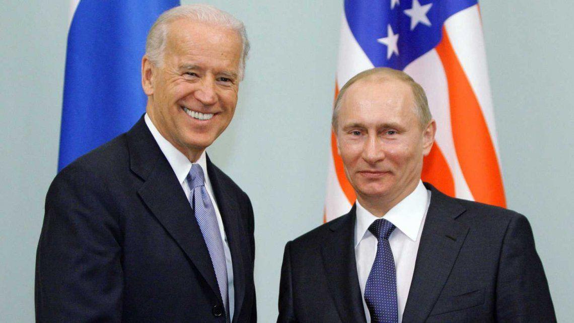 Biden cree que Putin es un asesino y aseguró en breve pagará el precio