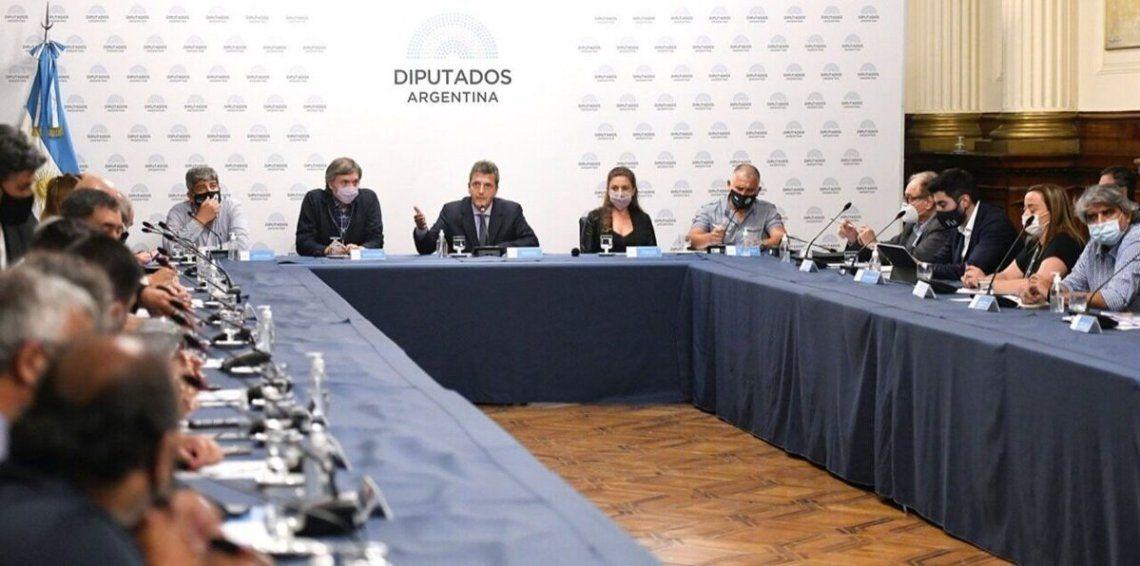 El proyecto de Ganancias tuvo dictamen favorable en un plenario de comisiones.