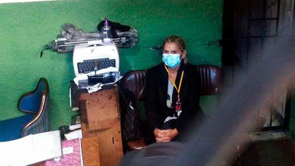 Bolivia: Jeanine Áñez intentó autolesionarse en prisión