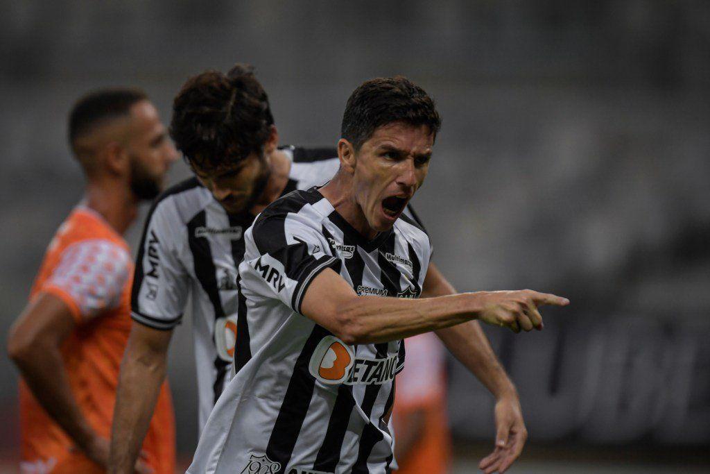 Ignacio Fernández tuvo un debut extraordinario en el Atlético Mineiro