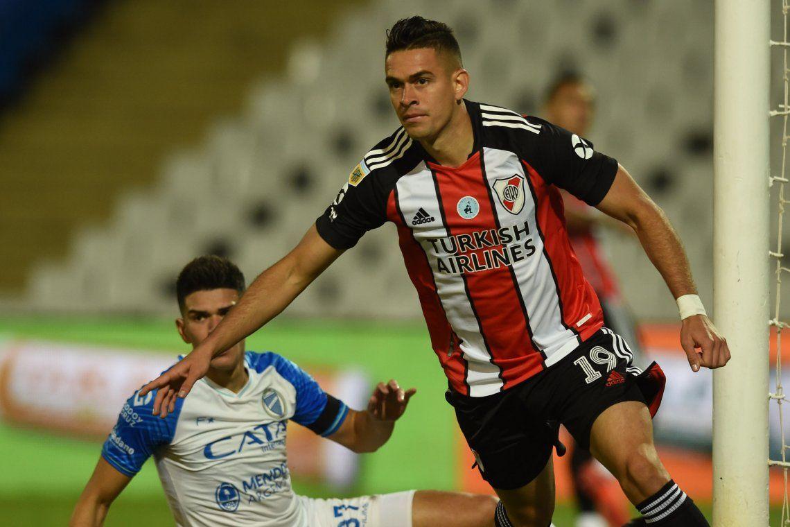 Rafael Borré festeja uno de sus cuatro goles