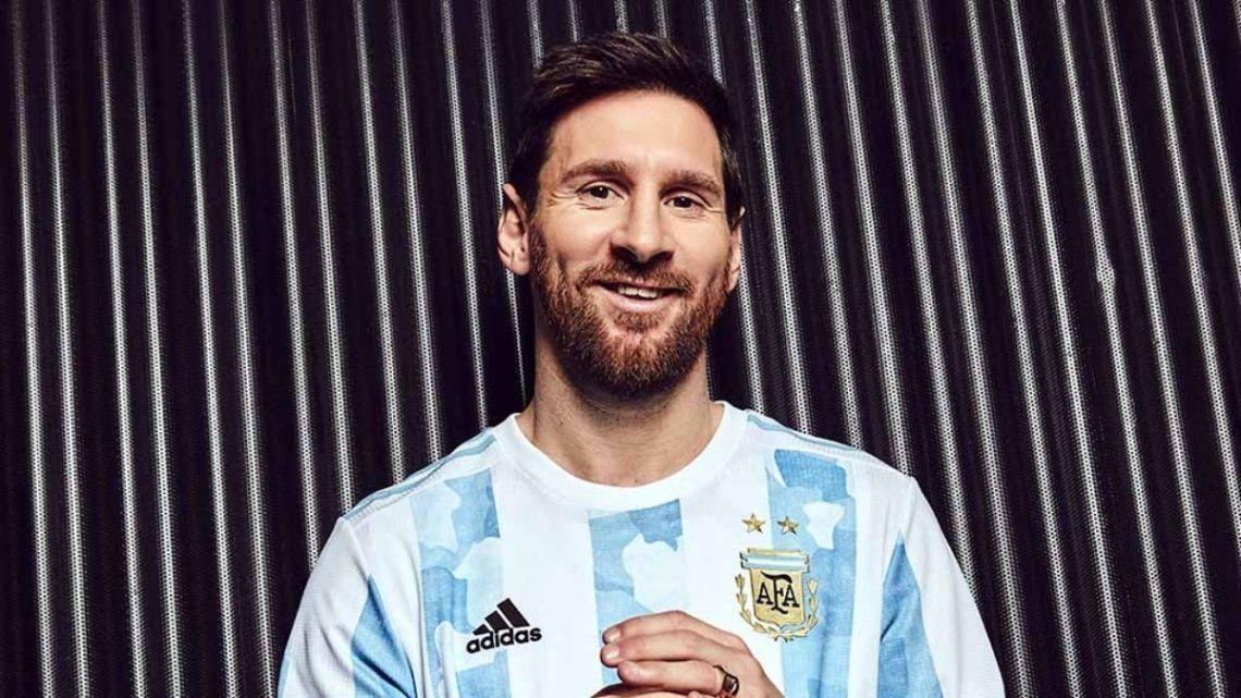 Lionel Messi encabezó la presentación de la nueva camiseta de la Selección Argentina.