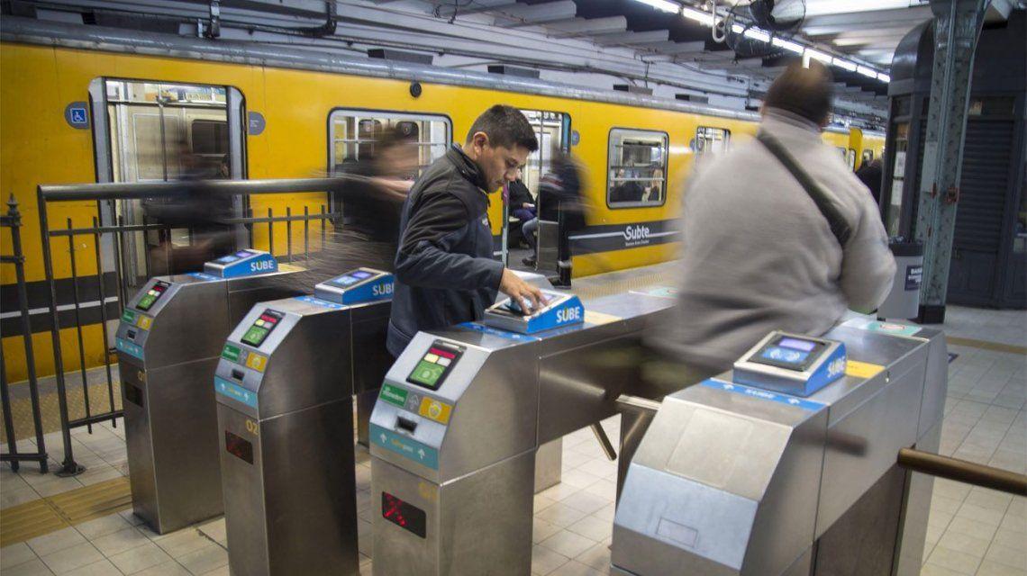 En los subtes y premetro el servicio funcionará de 8 a 21/22 horas