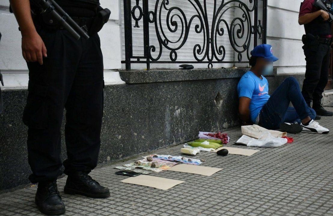 Constitución: hombre detenido con medio kilo de cocaína.