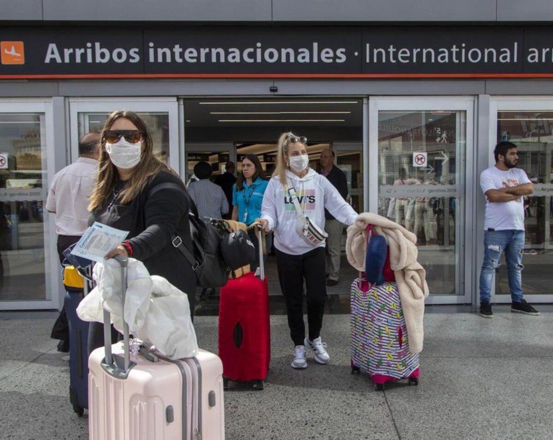 Complicaciones para quienes deban regresar al país por las restricciones impuestas para evitar la propagación del coronavirus