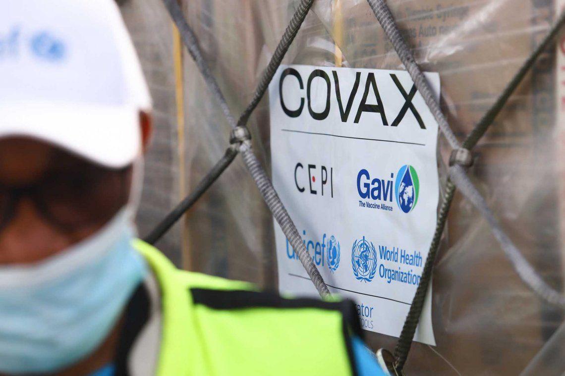 Coronavirus: llegan al país las primeras 218 mil vacunas de Covax