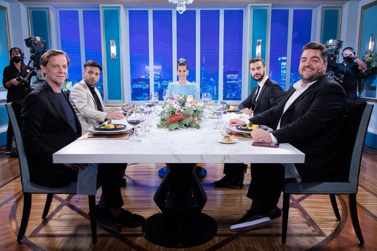 Juana Viale reunió alrededor de la mesa más famosa del país a Martín Bossi