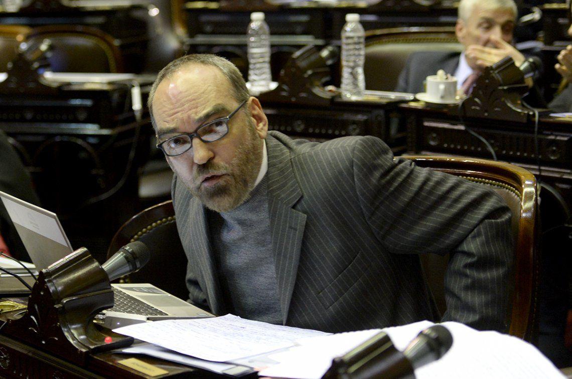 Fernando Iglesias aseguró que el agresor se trata del oficialista Carlos Alberto Vivero.