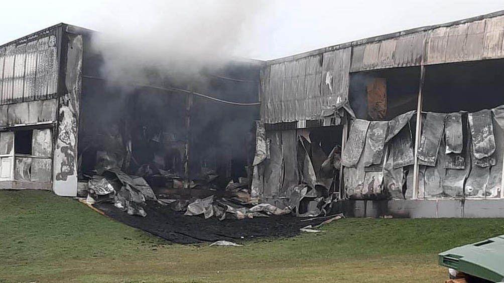 Tandil: los bomberos lograron apagar el incendio.
