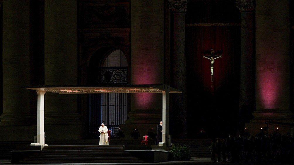 Papa Francisco en el Vía Crucis.