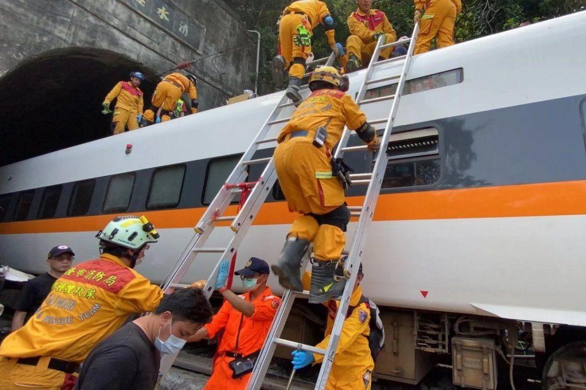 Taiwán: terminaron de remover los vagones del trágico accidente del viernes 2 de abril
