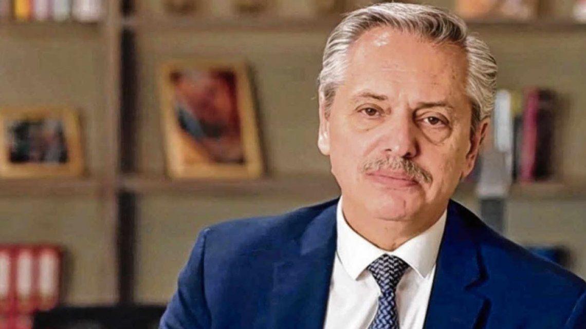 El presidente Alberto Fernández tiene un cuadro leve de coronavirus