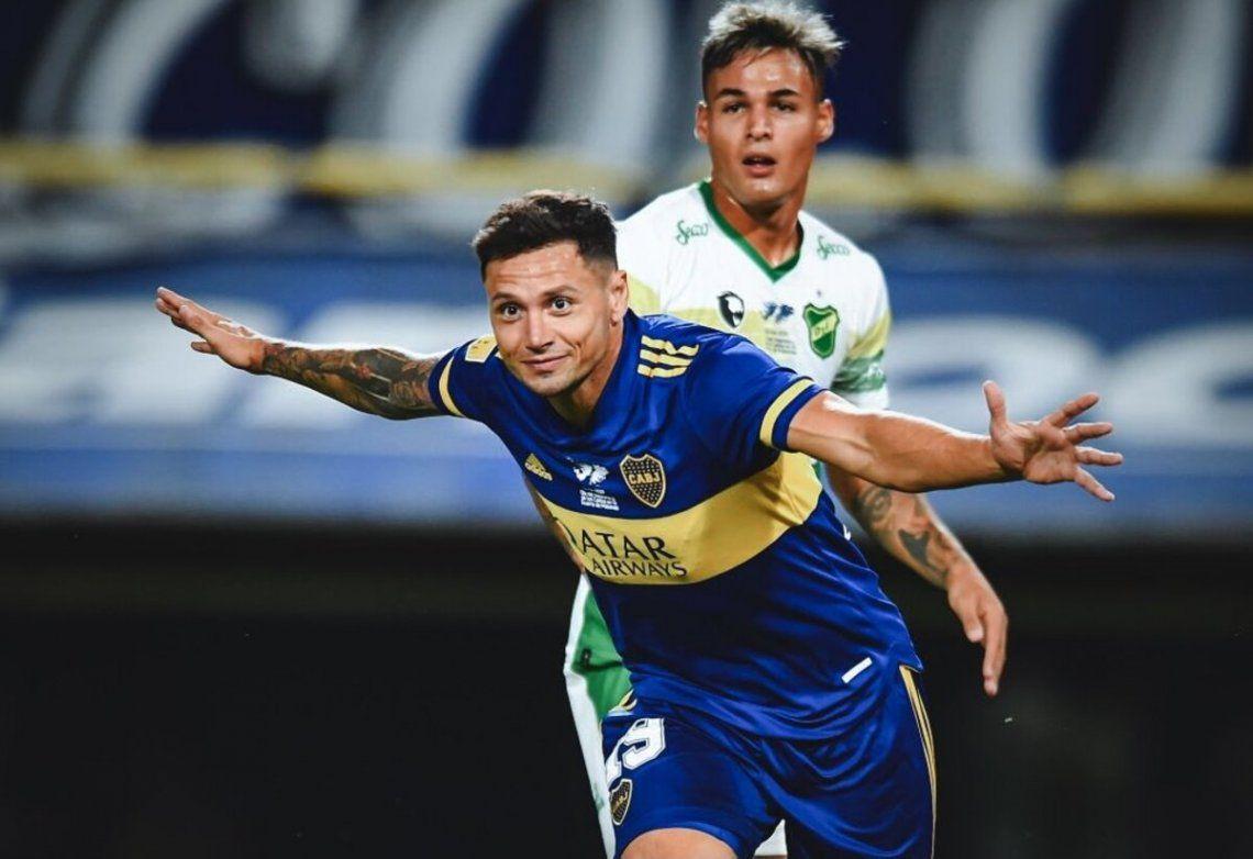 Mauro Zárate marcó el segundo gol de Boca.