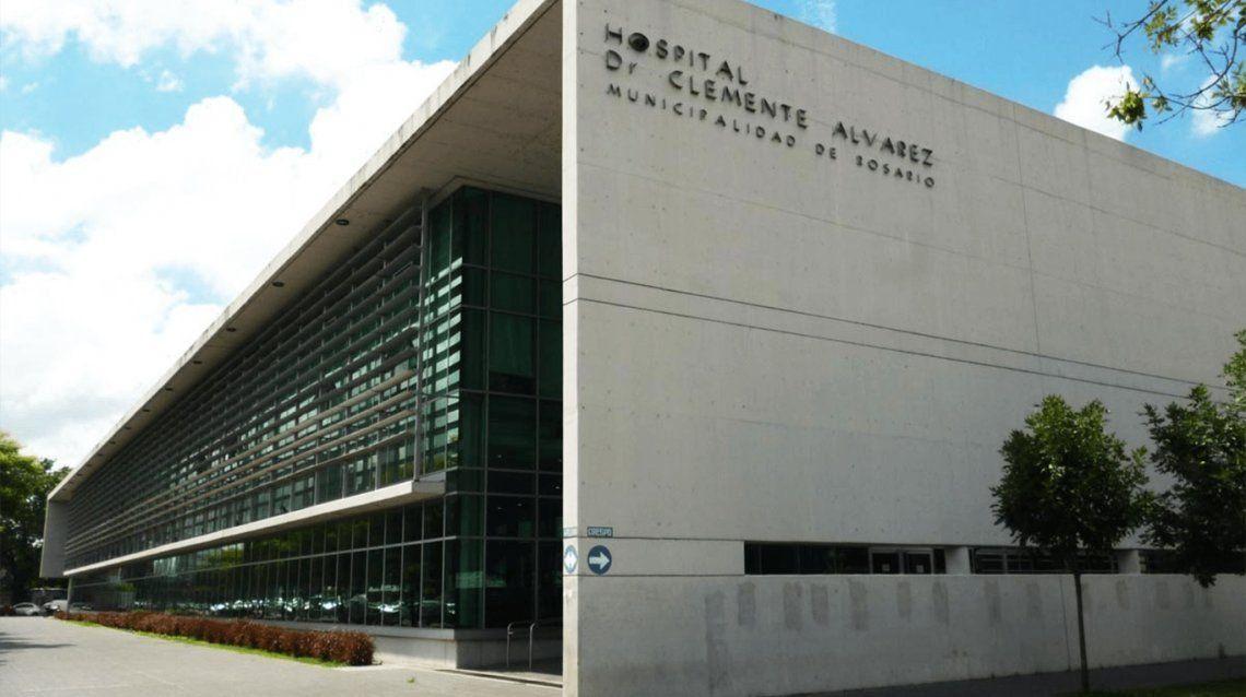 Trasladaron al joven de 20 años al Hospital de Emergencias Clemente Álvarez (HECA)