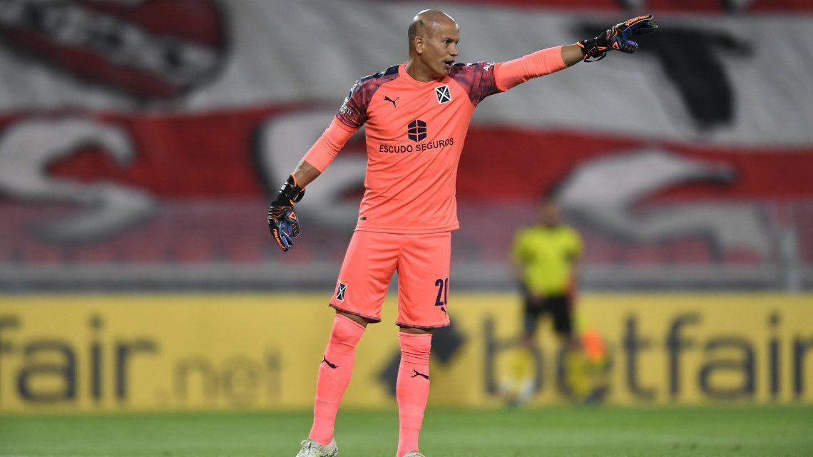 Sebastián Sosa dio positivo de Covid-19 y hay varios futbolistas que presentaron síntomas como Patricio Ostachuk